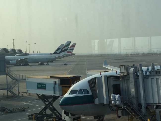 Planes in Hong Kong: Cathay Pacific, Emirates, and British Airways